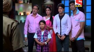 Badi Door Se Aaye Hain - बड़ी दूर से आये है - Episode 102 - 29th October 2014