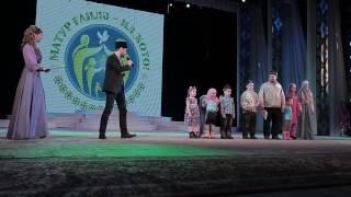 Айнур Арсланов поздравил семью Ильшата хазрата хафизова