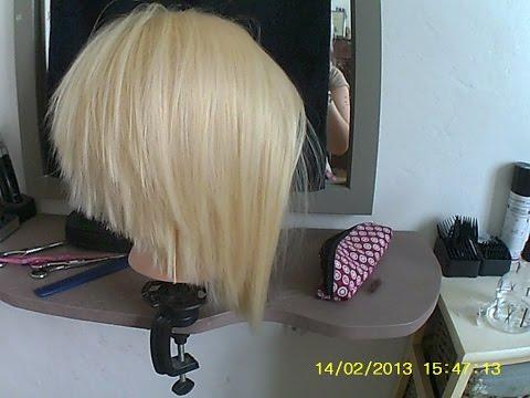 tuto coupe femme coiffure carre plongeant