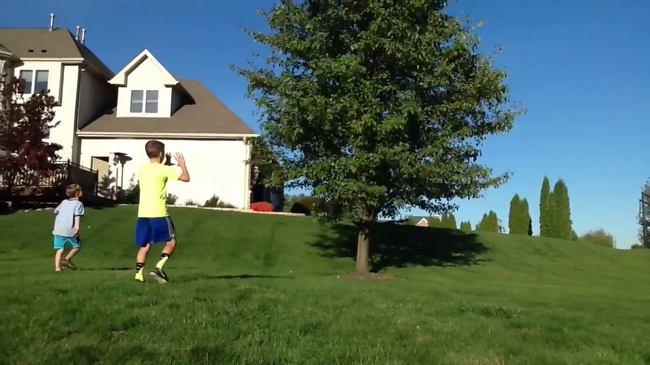 TOP 10 BACKYARD FOOTBALL CATCHES - YouTube