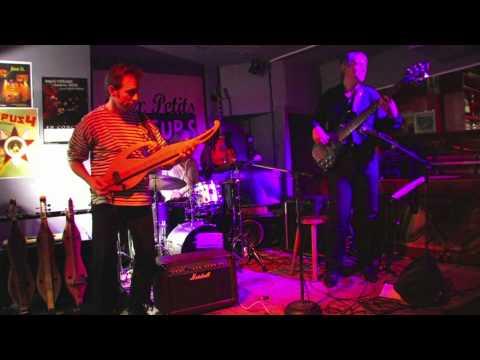 """Cristian HUET, """"Gigue Mandoline"""", live at the """"Petits-Joueurs"""", Paris"""