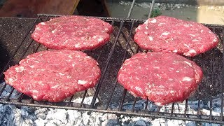 ГАМБУРГЕР на Мангале / Как приготовить Бургер на Гриле !!!