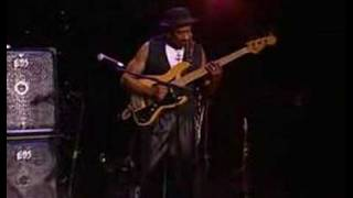 Teen Town ( Jaco Pastorius ) by Marcus Miller ( live )