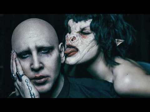 Marilyn Manson - Cry Little Sister (Live)
