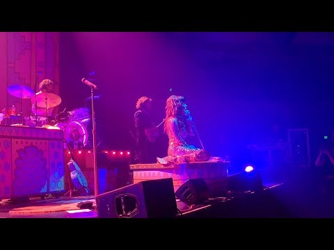 Download Jenny Lewis - On The Line Live Mp4 baru