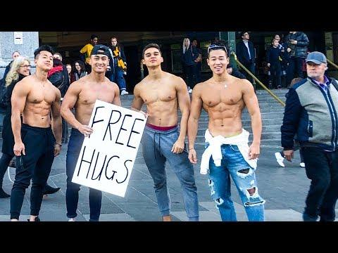 Aesthetics In Public - Free Hugs Australia
