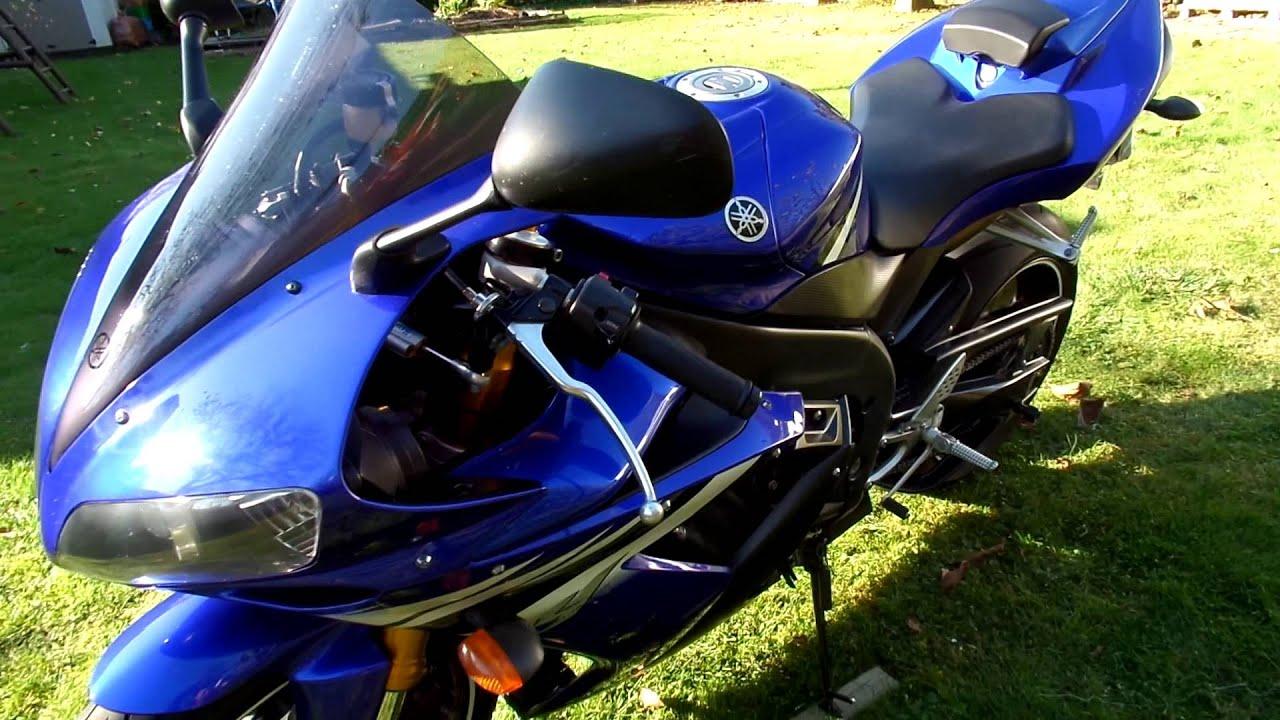 Yamaha R1 2006 Blue Racing