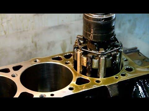 Расточка V-образного блока цилиндров двигателя