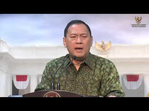 Agus D.W. Martowardojo, (Gubernur Bank Indonesia)