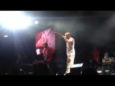 Multi_viral Calle 13 ft Tom Morello, Mexico City