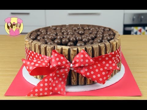 KIT-KAT MALTESER CHOCOLATE ICE CREAM CAKE! Birthday cake kids baking by Charli's Crafty Kitchen