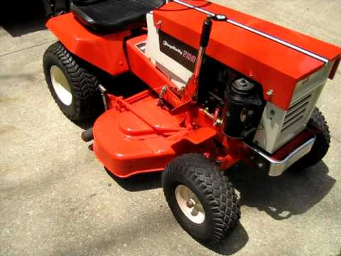 Nover S 1967 Simplicty Broadmoor Tractor And Lawn Vacuum System