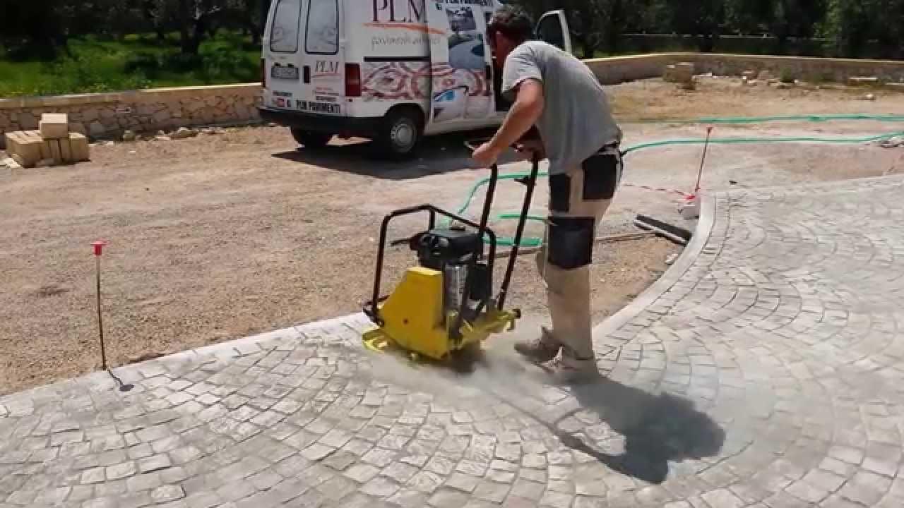 PLM pavimenti in pietra,arredo urbano,posa di sampietrini e lastre ...
