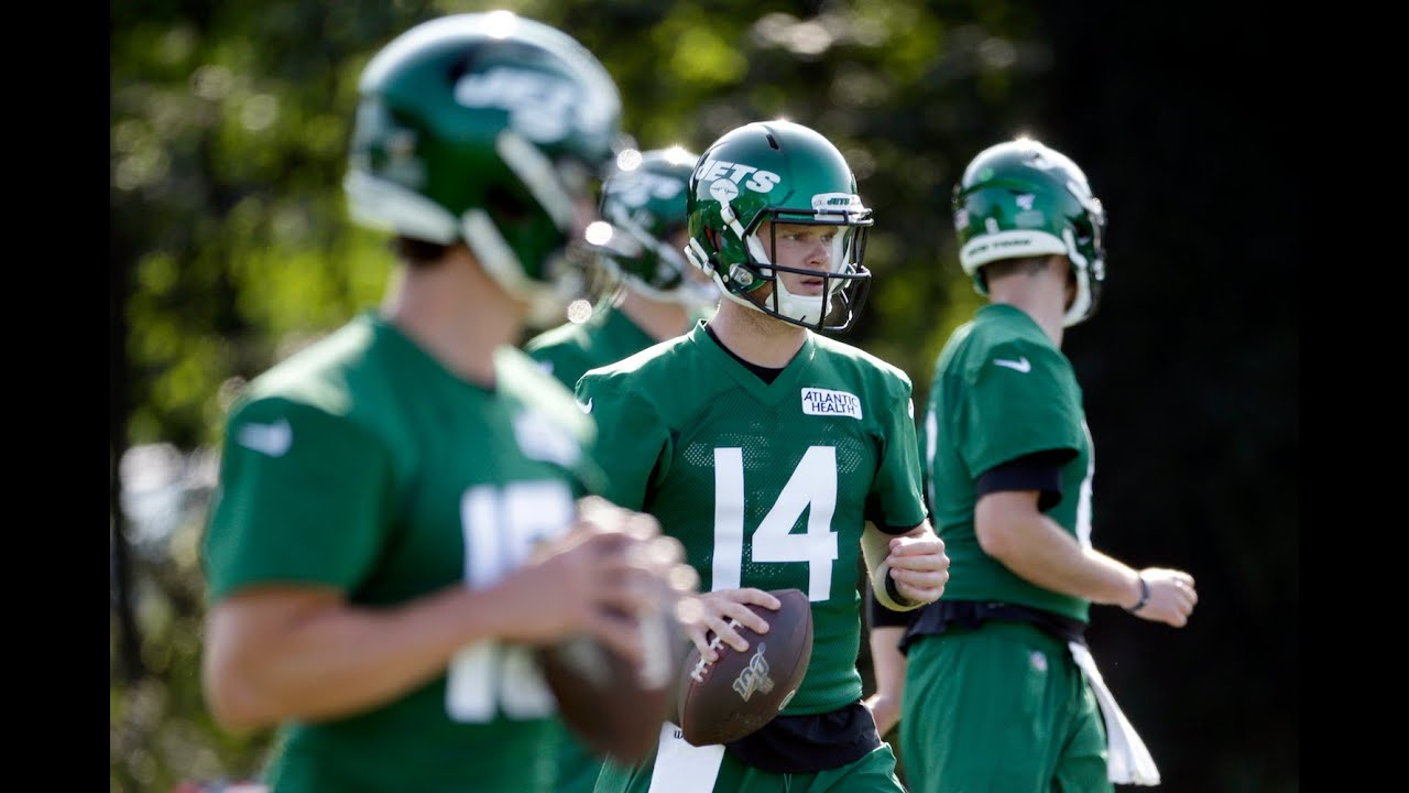 Watch Jets Sam Darnold Connects With Chris Herndon Day 6