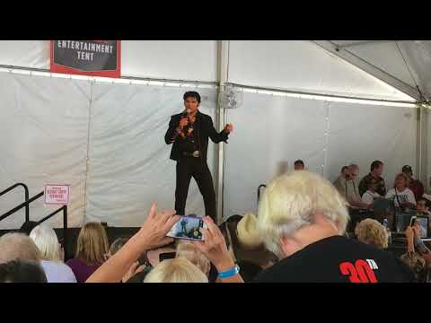 Cody Slaughter Sings 'Pocketful Of Rainbows' Iphone Elvis Week 2017