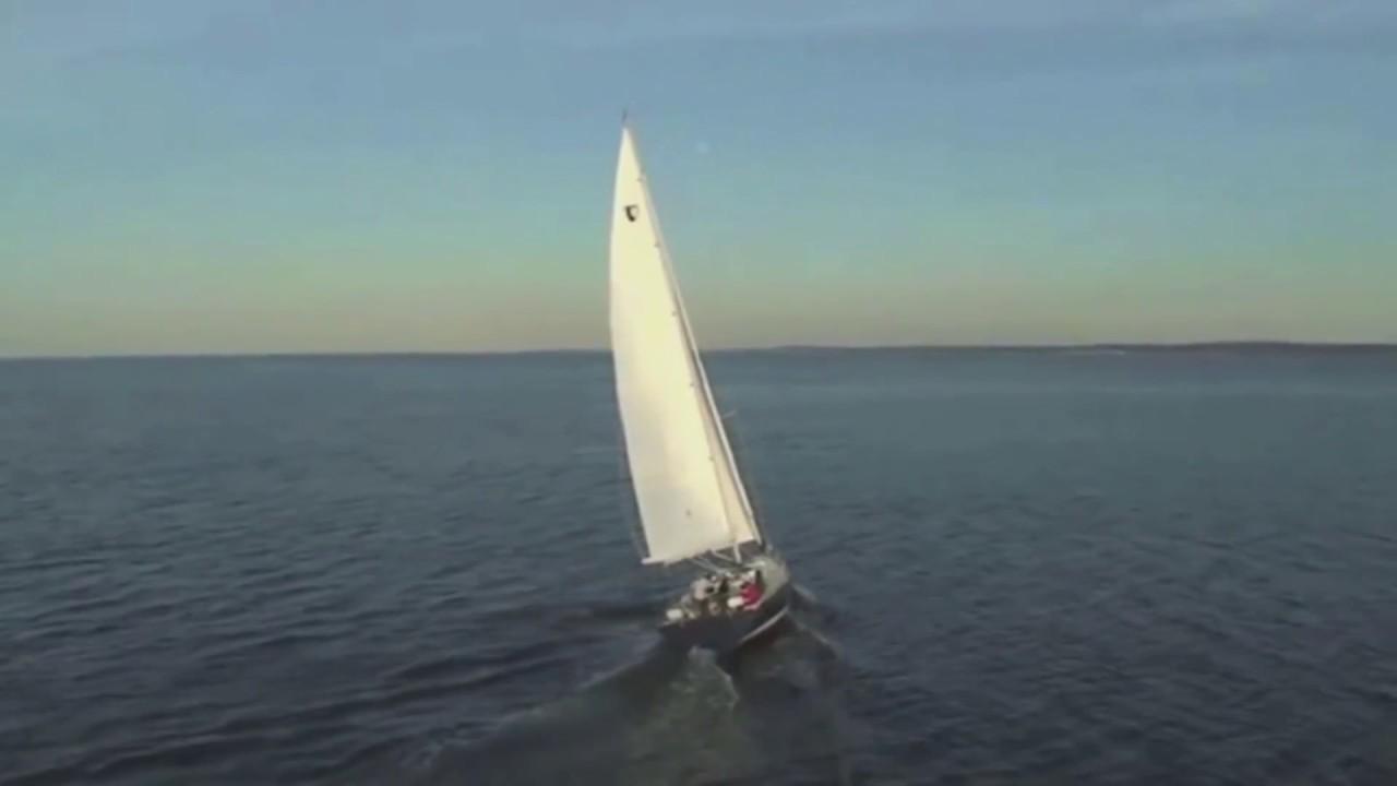Tartan Yachts 4000 Sailboat