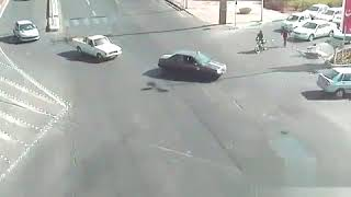 Смотреть видео Да ну вас ! ... пешком лучше пойду, дтп мотоцыклист онлайн
