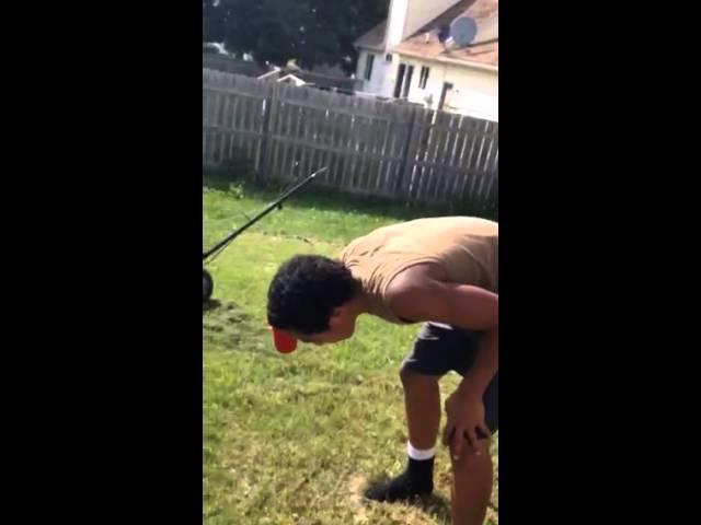 Friend doing cinnamon challenge