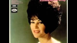 Wanda Jackson - My Baby Walked Right Out On Me (1967).