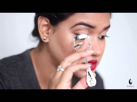 How to Use an Eyelash Curler