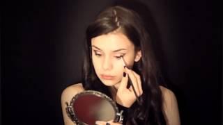 видео Как сделать праздничный макияж своими руками