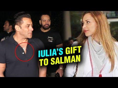 Lulia Vantur Gifts GOLD Chain To Salman Khan On His 53rd Birthday
