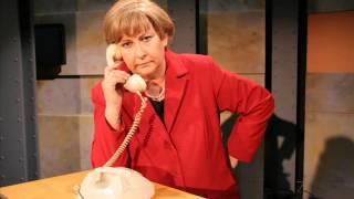 Angie telefoniert: Holland(e)-Spiel