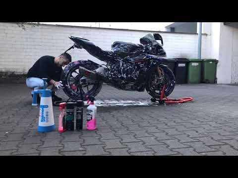 download YZF R1M 2018 Akrapovic washing day