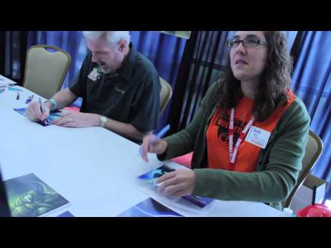 Dallas ComicCon 2013: Tom Kane signing Autographs