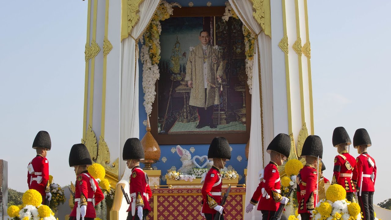 Thais in Malaysia pay last respects to late Thai King Bhumibol