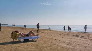 Турция зимой 2 января 2021 г Пляж бар на пляже отеля PrimaSol Hane Garden