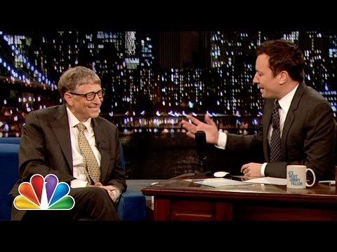 Jimmy Fallon scrambles to hide his MacBook during Bill Gates interview (Video)