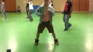 Cali : Exercice Electro Dance