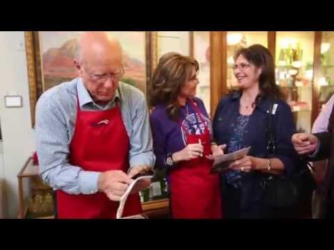 Sarah Palin serves up pancakes with Pat Roberts