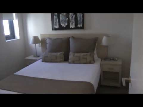 Oaks Hotels & Resorts: iStay precint Adelaide, Sth. Australia (2 Bedroom skyview apartment Tour)