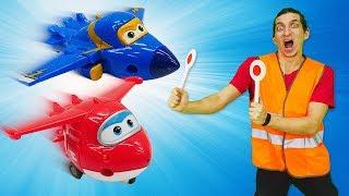 Видео про игрушки Супер Крылья и Щенячий Патруль. Время быть героем в воздухе!Чиним базу крыльев!
