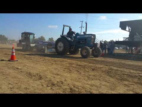 Antique tractor pull 2015
