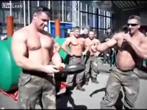 Morgensport in Russland - Bratpfannen falten