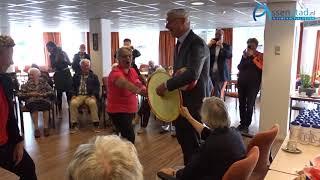 Renate Groenewold en Marco Out openen ouderenweek in Peelerhof