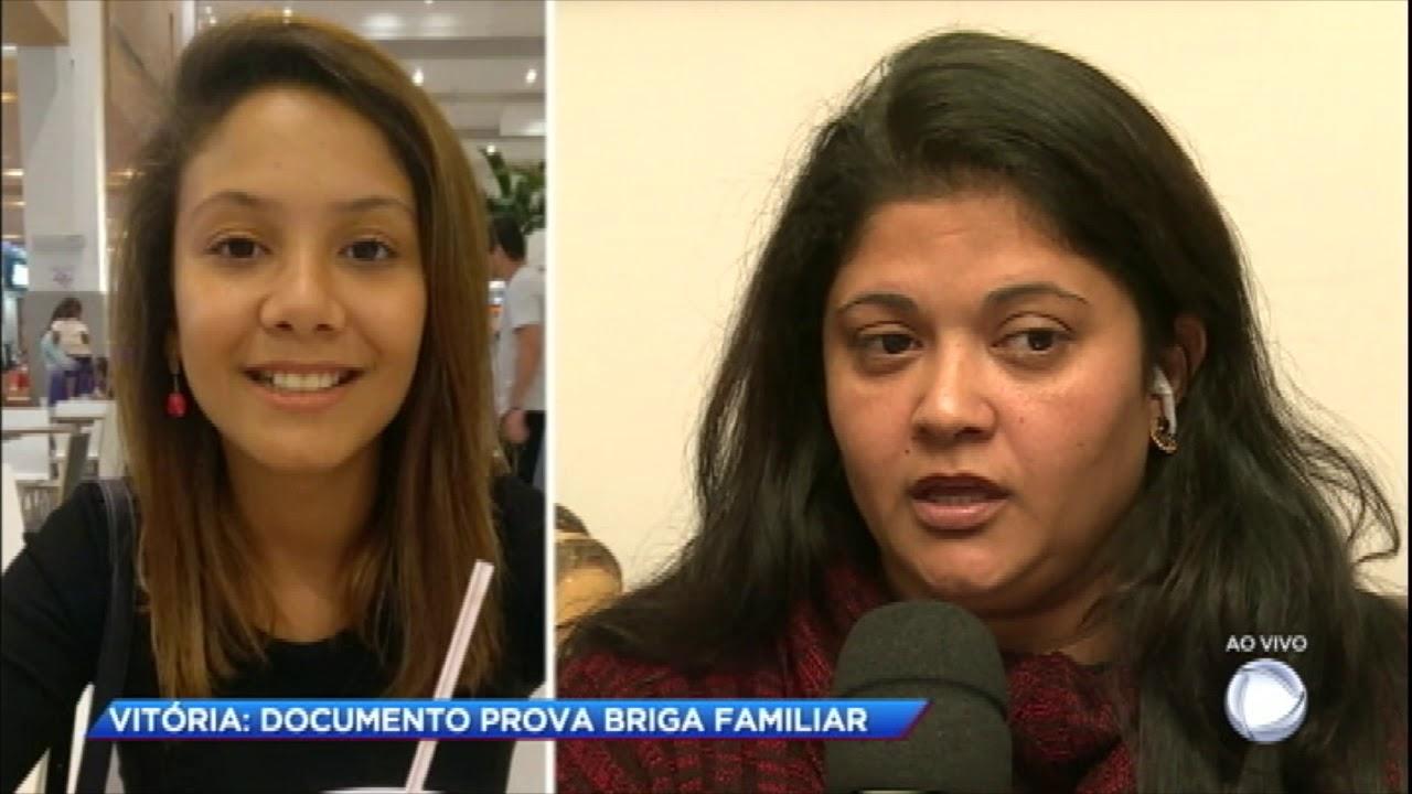 Mãe de Vitória fala sobre briga com a madrasta da filha
