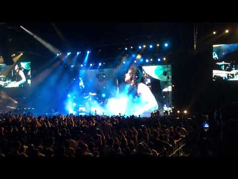 Muse live in Singapore 2015 - Plug in Baby