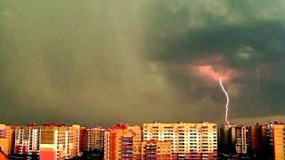 ГРОЗА и  МОЛНИИ , но  без  капли  дождя , снято 22.08.2013 в г Полоцке на Аэродроме !