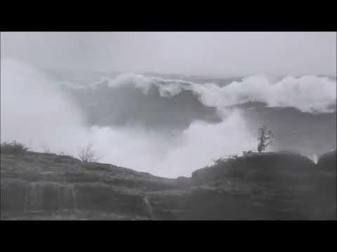10242017 - Video -  Lake Superior Gale - Keweenaw