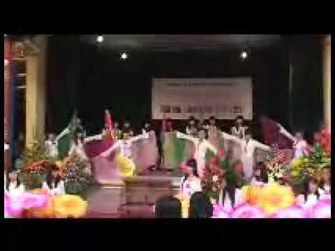 Múa của học sinh Trường THPT Trần Phú - HK - HN chap canh uoc mo.wmv