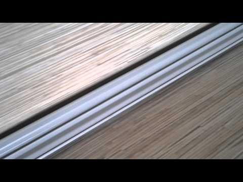 видео: Установка плинтуса столешницы