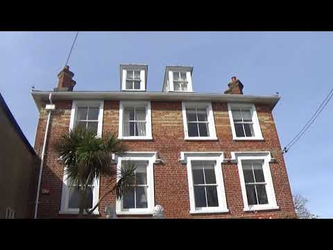 Foxy and the stationary and quiet North House in Yarmouth on the Isle of Wight 2018