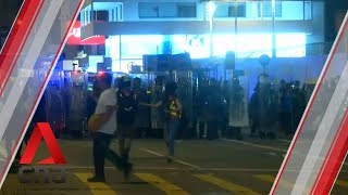 Hong Kong police advance on protesters in Mong Kok