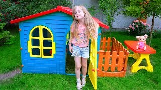 Ulya pretend play with playhouse