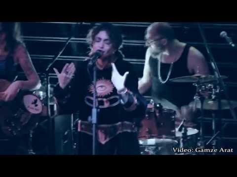 Riff Cohen - Dans Mon Quartier (Live) HD İZMİR