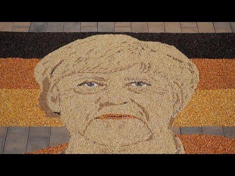 شاهد | فنان يصنع فسيفساء ضخمة من الحبوب لأنغيلا ميركل في يوم التصويت على خليفتها …  - 23:54-2021 / 9 / 26